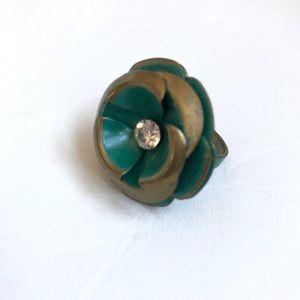 Jewelry - GREEN GOLD METAL RING RHINESTONE CENTER